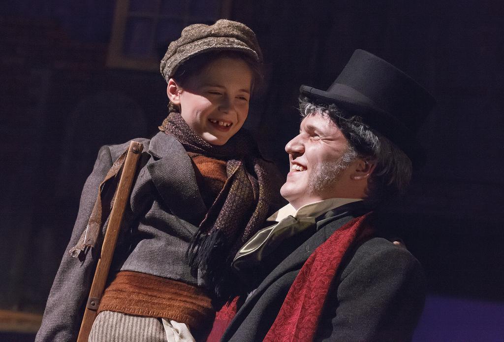 Playhouse reunites cast of Christmas past
