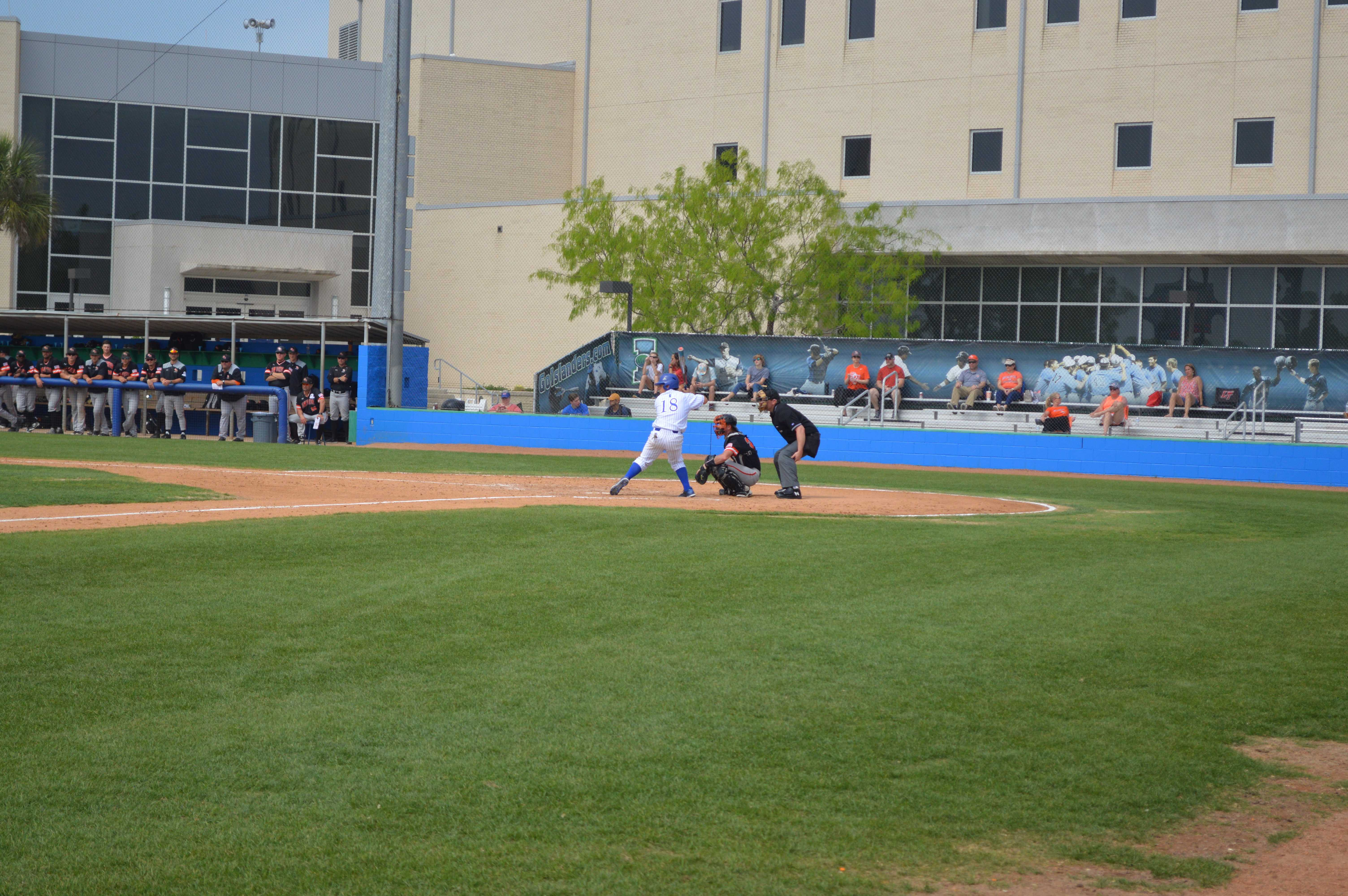 Islanders Baseball opens conference play