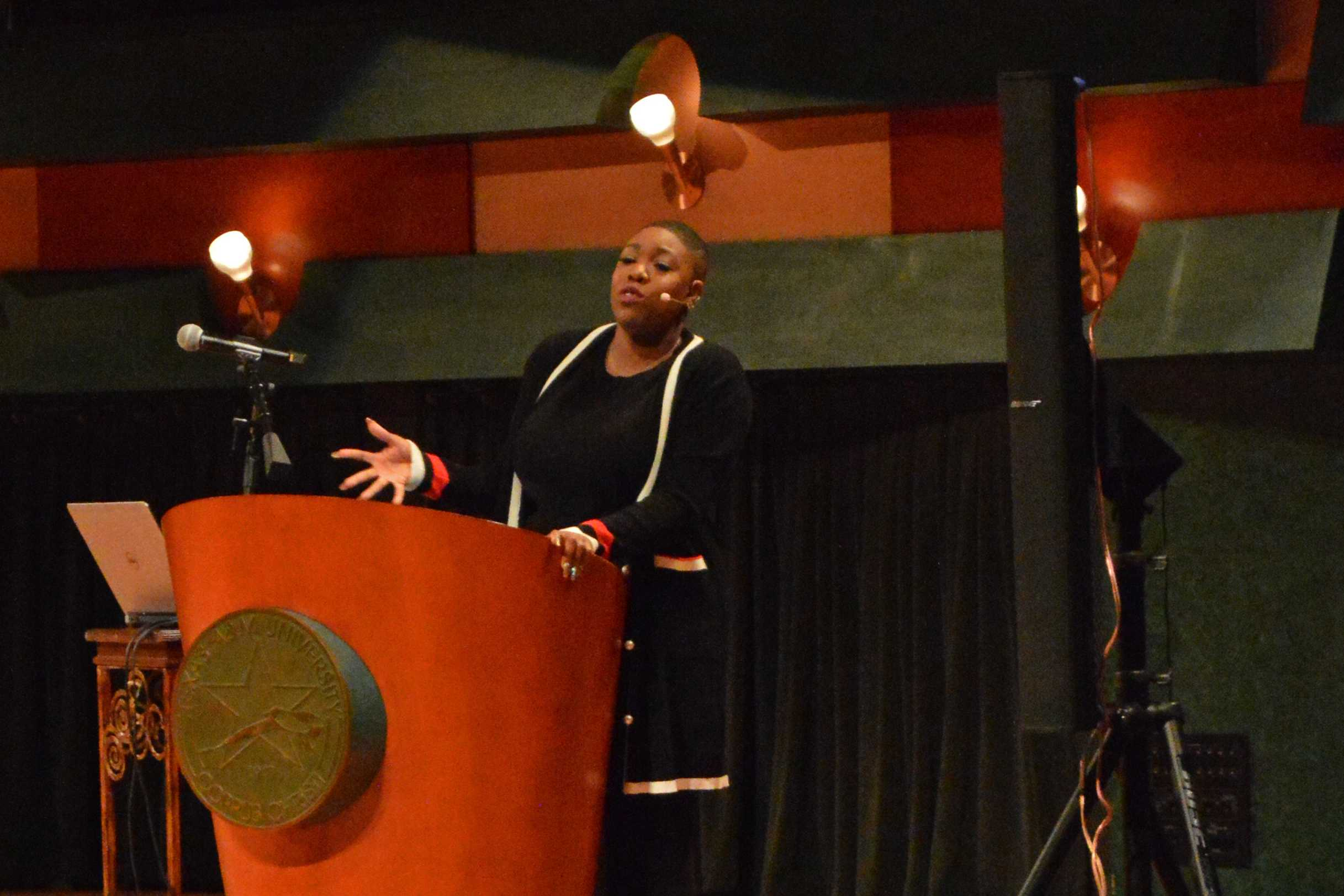Photo by Samuel Trujillo/ISLAND WAVES  Symone Sanders addresses crowd at Performing Arts