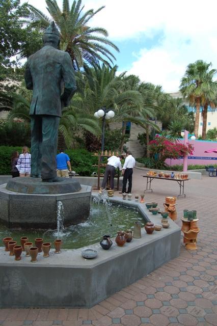 Statue+of+Dr.+Hector+P.+Garcia+