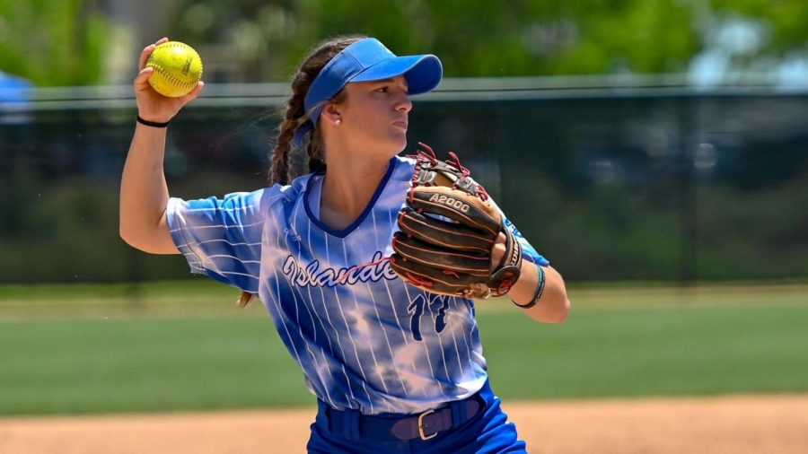 Islander softball team take 3 wins in Houston tournament